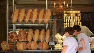 Böyle kuyumcu görülmedi: Hem altın hem ekmek satıyor