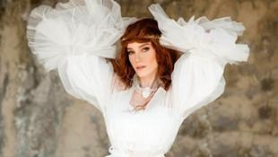 Güzel şarkıcı tacizcisini sosyal medyadan ifşa etti