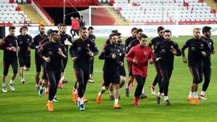 Mehmet Zeki Çelik: İnşallah galip gelip taraftarımızı mutlu ederiz