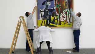 Picasso'nun 157 milyonluk eserini yırttı!