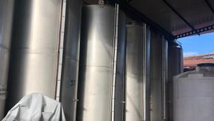 Fabrikada 355 ton kaçak içki ele geçirildi
