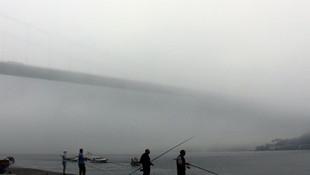 İstanbul'da yoğun sis ! Boğaz kapatıldı, bazı seferler iptal edildi