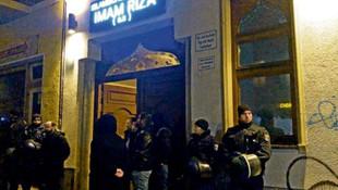 Almanya'da ''şehit'' gerilimi ! Süleymani için camide tören düzenlendi