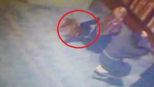 Camideki hırsızlık anı kamerada
