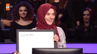 Konuşma engelli Ümmü Gülsüm yarışmaya damgasını vurdu