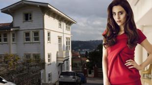 Cansu Dere, Boğaz manzaralı 4 katlı villaya taşındı