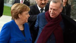 Erdoğan ile Merkel'in ''palto'' diyaloğu dikkat çekti