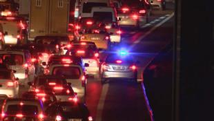 Trafikte ''çakarlı'' işkence kaldığı yerden devam!