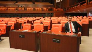 TBMM'de ilginç görüntü! Meclis'te tek başına...