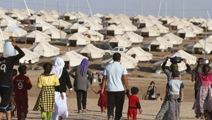 Yarım milyon Suriyeli Türkiye sınırına dayandı!