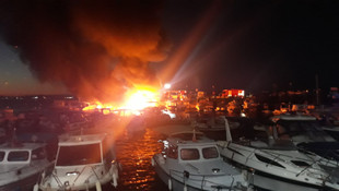 İstanbul'da limanda 6 tekne alev alev yandı!