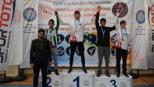 Türkiye İşitme Engelliler Grekoromen Güreş Şampiyonası devam ediyor