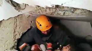 Ankara itfaiye ekipleri 5 yaşında bir çocuk ve annesini kurtardı
