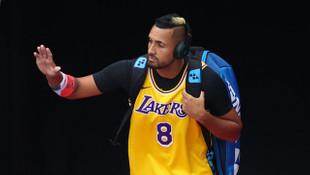 Nick Kyrgios, Kobe Bryant formasıyla korta çıktı
