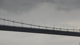 15 Temmuz Şehitler Köprüsü'deki intihar anı kamerada