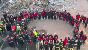 Elazığ'da arama kurtarma ekiplerinden duygusal tören!