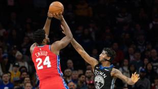 Embiid, Kobe Bryant'ın anısına giydiği 24 numaralı formayla 24 sayı attı