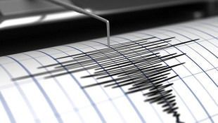 Akdeniz'de korkutan deprem ! Kısa süreli panik yaşandı