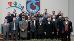 Ahmet Ağaoğlu'dan Hüseyin Çimşir'e destek