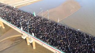 Kasım Süleymani'nin cenaze töreninde insan seli