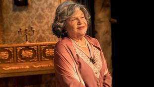 Nevra Serezli 11 yıl sonra tiyatroya geri döndü