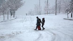 Tatil haberleri peş peşe geldi ! 6 ilde eğitime kar engeli