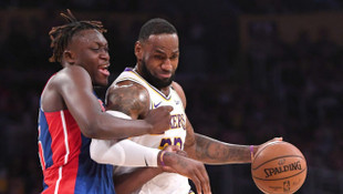 Los Angeles Lakers-Detroit Pistons: 106-99 (LeBron James triple-double yaptı)
