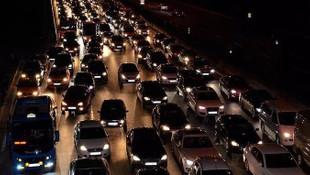 İstanbul'da sabah çilesi ! Trafik adım adım...