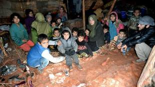 Tam 367 bin Suriyeli daha Türkiye sınırına dayandı