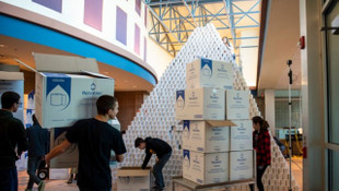27 bin rulo tuvalet kağıdından piramit yaptılar