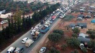 Göç dalgası durmuyor ! 20 bin kişi daha Türkiye sınırına dayandı