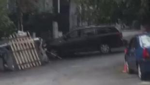 İstanbul'da yine koca dehşeti! Baba evine arabayla girmeye çalıştı!