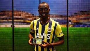 Fenerbahçe forvet transferini Yeşilçam'ın efsane sahnesi ile duyurdu