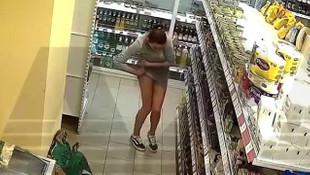 Markette akılalmaz hırsızlık! Çaldıklarını iç çamaşırına sakladı