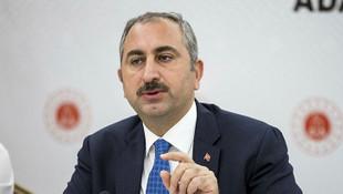 Adalet Bakanı Gül'den ''Işıklar yanıyor'' diyen AYM üyesine sert tepki
