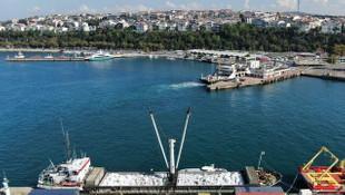 Ukrayna'ya gitmek isteyen gemiden 3 milyon paket sigara çıktı
