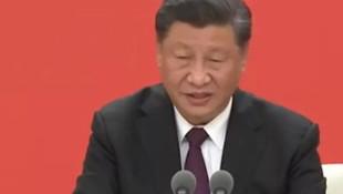 Çin Devlet Başkanı konuşurken öksürünce yayın kesildi