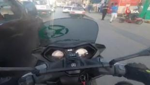 İstanbul'da ''pes'' dedirten kazada aracın motosiklete çarpma anı kamerada