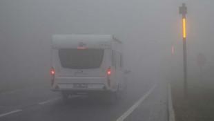 İstanbul yolunda etkili olan sis sürücülere zor anlar yaşattı