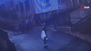 Okulda şoke eden görüntü! 12 yaşındaki çocuğu pencereden attılar!