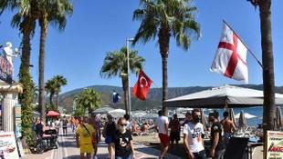 Marmaris'te İngiliz turistler ülkelerine dönmek istemiyor