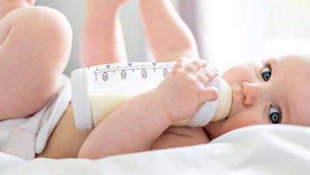 Bilim insanlarından anne babalara kritik uyarı! Biberonlara dikkat