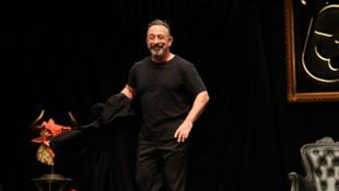 Cem Yılmaz'ın ''gösteri'' çağrısına Bakan Koca'dan yanıt