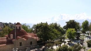 Vaka sayılarının azaldığı Antalya'da camilerden koronavirüs anonsu