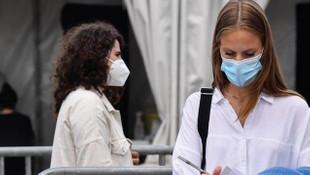Fransa'da rekor! 24 saatte 41 bin 622 vaka tespit edildi
