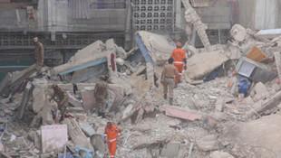 6 katlı kilise çöktü! 18 kişi öldü