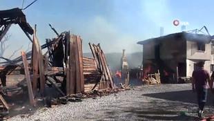 Bolu'da yangın felaketi! 12 ahşap ev küle döndü
