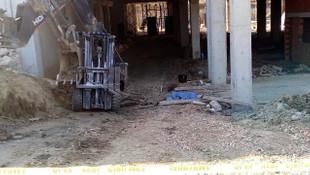 Forkliftin altında kalan işçi feci şekilde can verdi