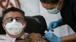 Ünlü profesör Necmettin Ünal koronavirüs aşısı oldu