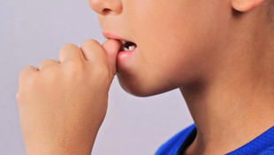 Tırnak yiyenlere kritik koronavirüs uyarısı